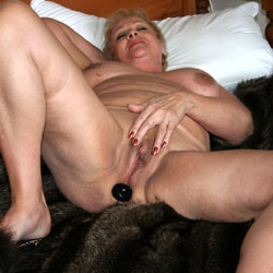 Mature Woman - Big Tits, Mature, Shaved, Toys
