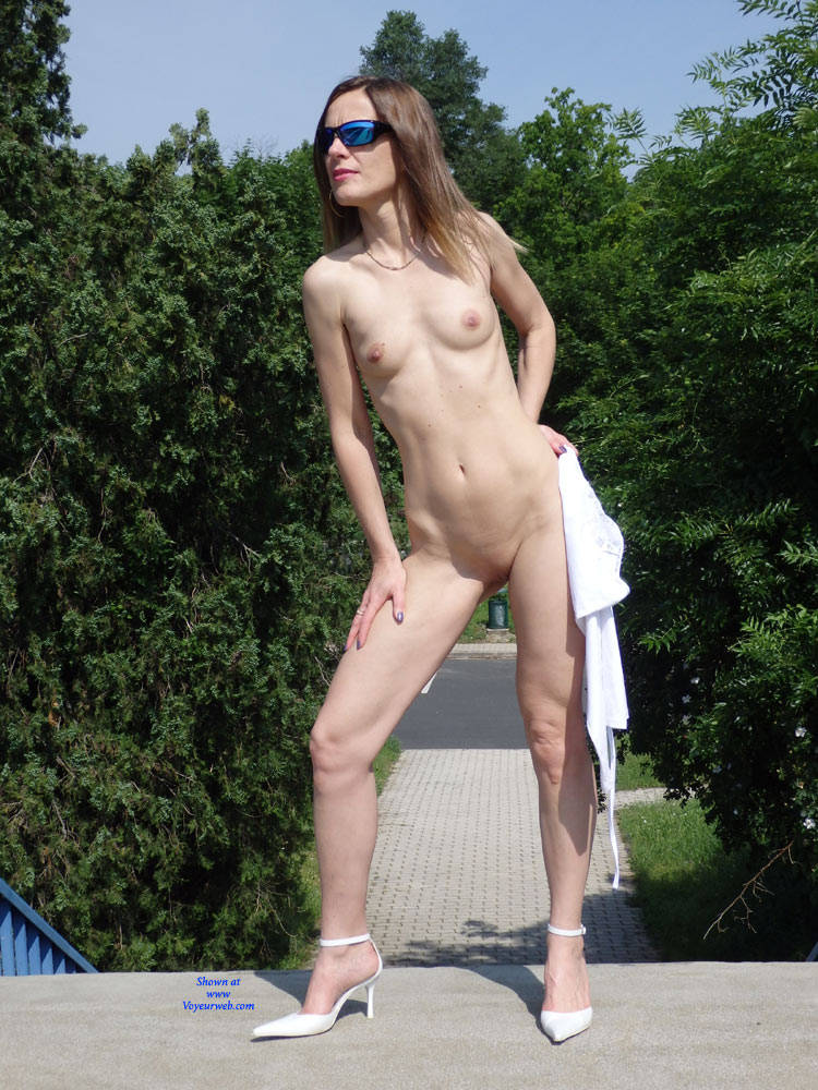 Naked Outdoor Wearing Heels And Sunglasses - Exposed In Public, Flashing, Full Nude, Heels, Nipples, Nude In Public, Nude Outdoors, Perfect Tits, Shaved Pussy, Small Tits, Sunglasses, Sexy Legs , Nude In Public, Naked, Heels, Sunglasses, Small Tits