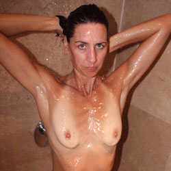 Wife In The Shower  - Brunette, Wife/Wives