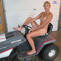 Tractor Pull - Big Tits, Wife/Wives