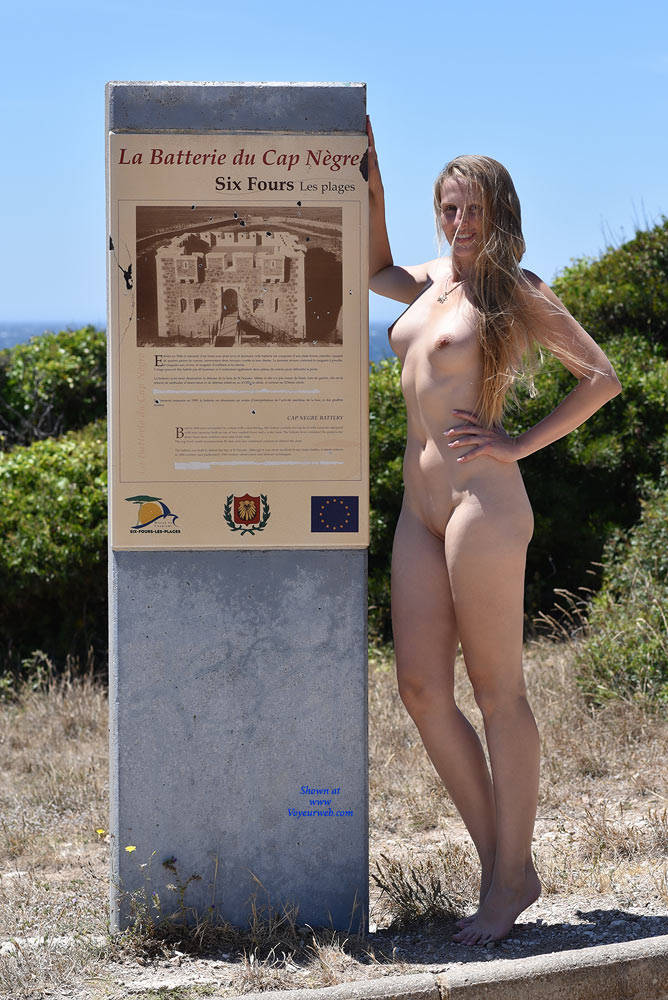 Pic #10 Bri At Cap Negre - Big Tits, Public Exhibitionist, Public Place, Shaved