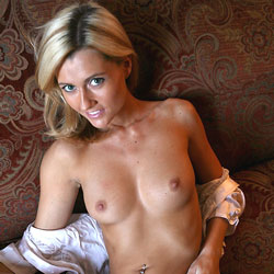 Sofa Show-Off - Big Tits, Blonde Hair, Shaved