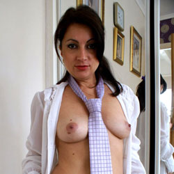 Anna (38) - Shirt And Tie - Big Tits, Brunette