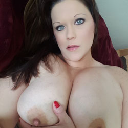 Sexy Iowa Woman - Big Tits