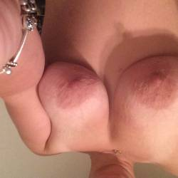 Very large tits of my wife - Sexy wif