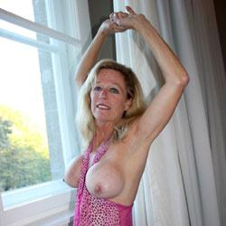 Presentation - Big Tits