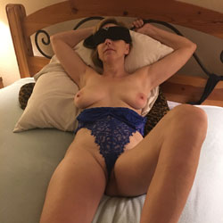 Misc Pics - Big Tits, Hairy Bush, Sexy Lingerie, Toys, Wife/Wives
