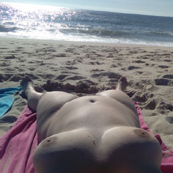 Deusaputa - Beach, Big Tits