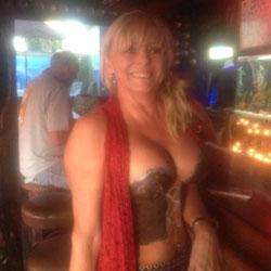 Painted Tittys - Big Tits, Blonde, Flashing, Public Exhibitionist, Public Place