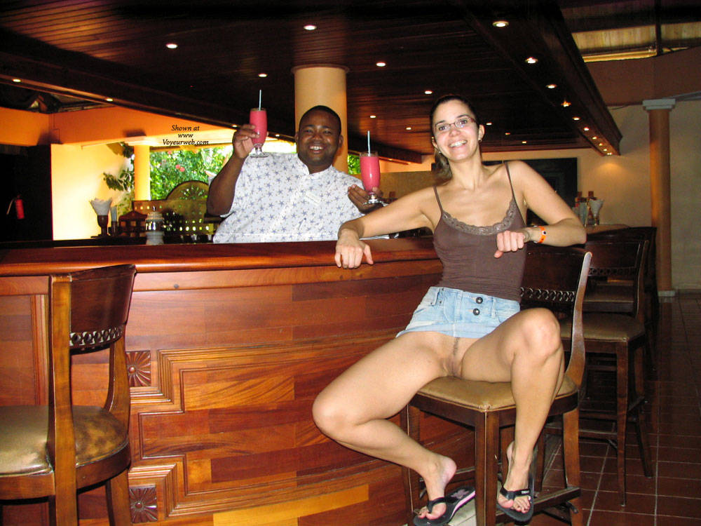 Showing Pussy At The Bar - Exposed In Public, Flashing, Nude In Public, Trimmed Pussy, Sexy Girl, Sexy Legs , Nude In Public, Sexy, Naked, Flashing Pussy, Nude, Bar