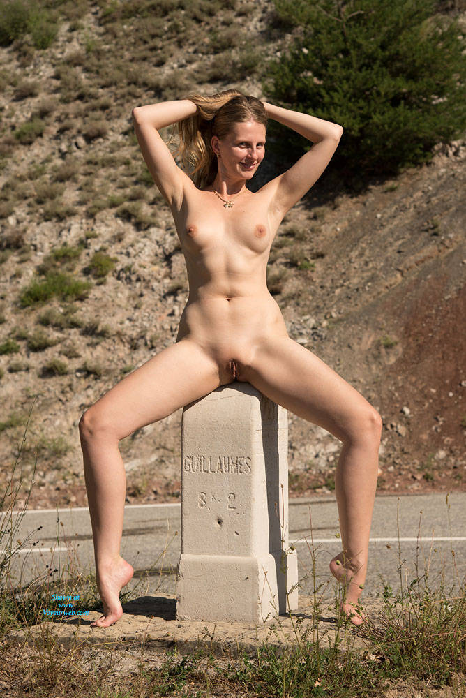 Pic #10 Bri NIP In France - Flashing, Public Exhibitionist, Public Place, Shaved