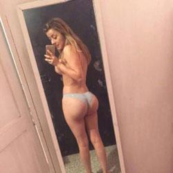 Su Piel Canela - Big Tits