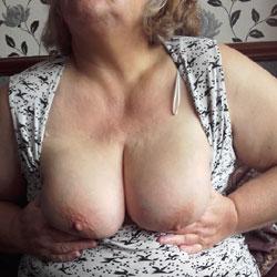 Norma's Tits - Mature, Big Tits, BBW