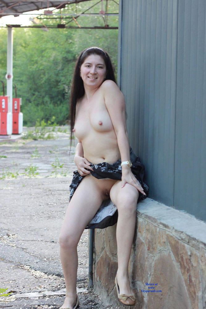 Pic #6 Kiki - Big Tits, Brunette, Flashing, Public Exhibitionist, Public Place
