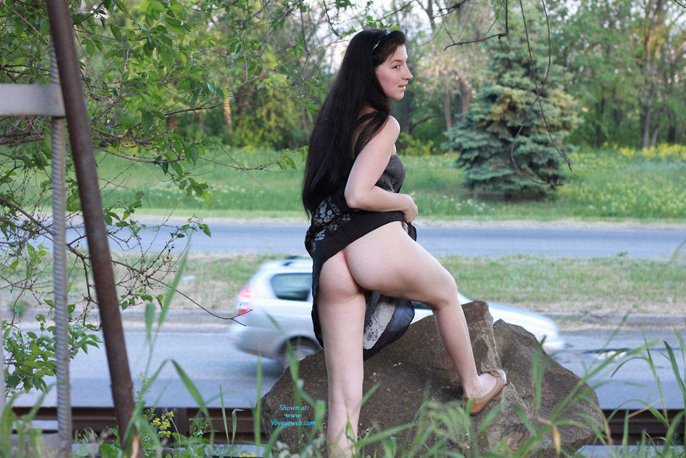 Pic #10 Kiki - Big Tits, Brunette, Flashing, Public Exhibitionist, Public Place