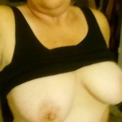 Very large tits of my wife - Kbabe