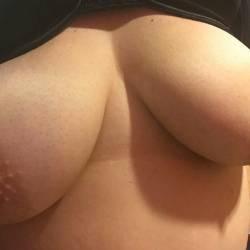 Medium tits of my ex-girlfriend - Midwest girl