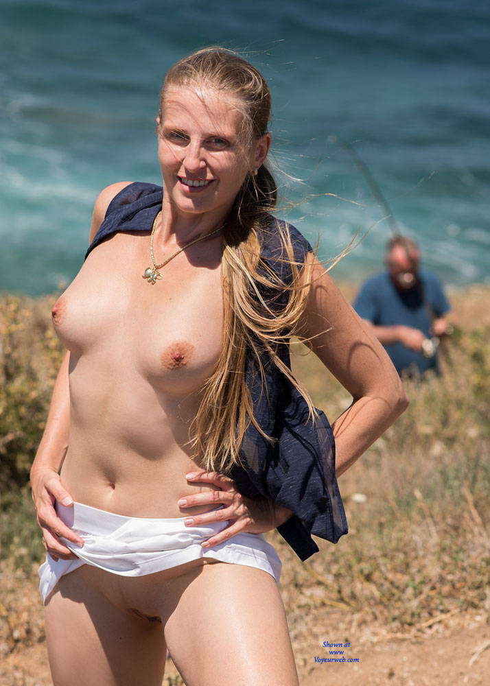 Pic #4 Bri NIP In France 2 - Flashing, Public Exhibitionist, Public Place, Shaved
