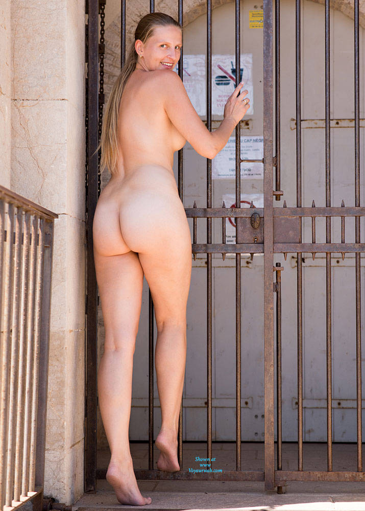 Pic #3 Bri NIP In France 2 - Flashing, Public Exhibitionist, Public Place, Shaved