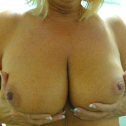 Large tits of my wife - Cindy