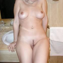 Medium tits of a neighbor - Jayne