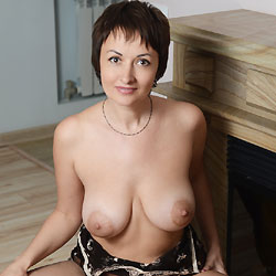 Sophia At Home - Big Tits, Brunette Hair, Shaved, Sexy Lingerie