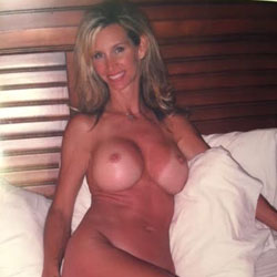Sexy And Nude Sally - Big Tits, Wife/Wives