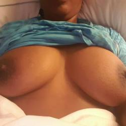 Medium tits of my girlfriend - Ce Ce