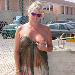 Flashing At A Bar - Big Tits, Flashing, Public Exhibitionist, Public Place, See Through