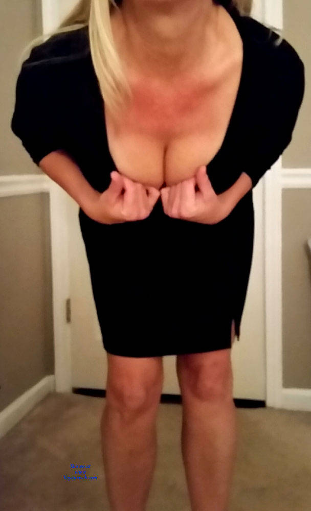 Pic #3 50 year old wife's first contribution - Big Tits, Topless Wives