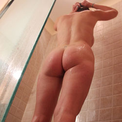 Shower Time - Round Ass