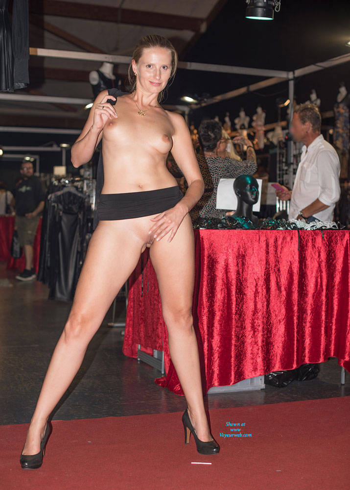 Venus berlin 2016 behind the scene little caprice amp friends