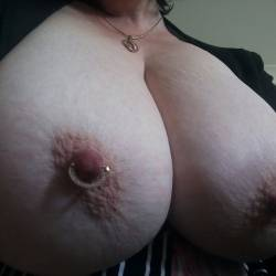 Very large tits of my girlfriend - Aussie Gal