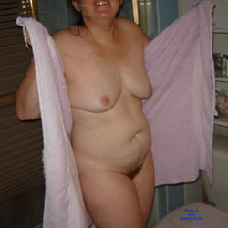 Milf - Wife/Wives, Bush Or Hairy