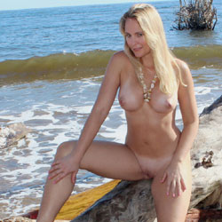 beach blonde nature Nude mom