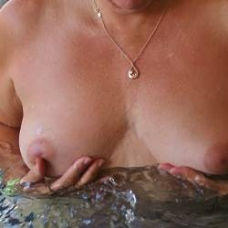 Medium tits of my wife - Steph