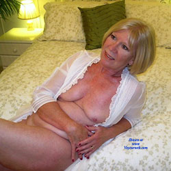 Posing For A Young Friend - Big Tits, Blonde, High Heels Amateurs, Mature