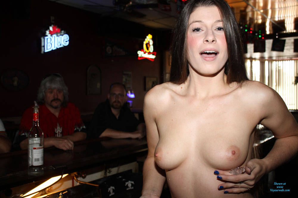 Drew bar nude — photo 7