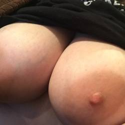 My very large tits - Belle