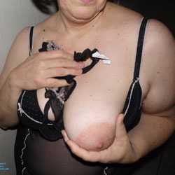 Celia Vous Attend - Big Tits