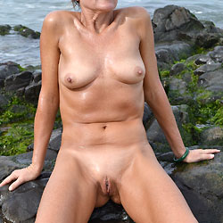 Sexy Aussie MILF 3 - Shaved, Close-Ups, Body Piercings