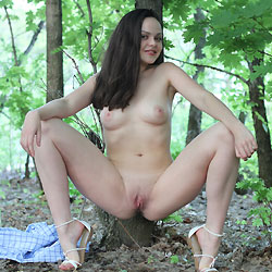 Adriana - Brunette, Outdoors, Shaved, Nature