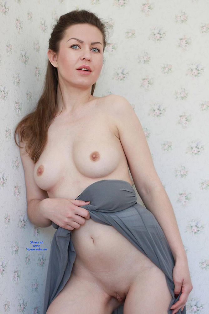 Pic #1 Nicole - Big Tits, Shaved, Firm Ass