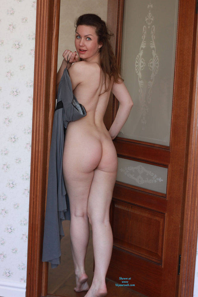 Pic #10 Nicole - Big Tits, Shaved, Firm Ass