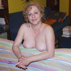 Giochi In Casa - Bush Or Hairy, Lingerie, Big Tits, Amateur
