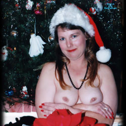 Poinsettias And Titties - Big Tits, Brunette, Wife/wives