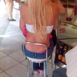 The Seated Blonde - Blonde, Voyeur