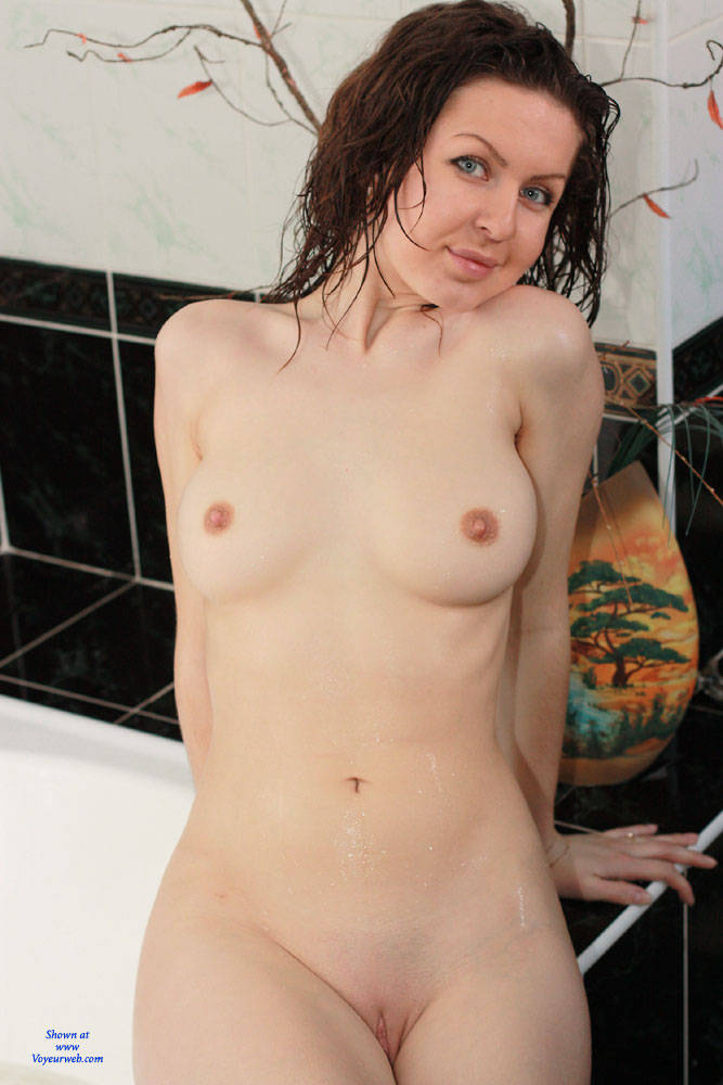 Pic #1 Wet Nicole - Big Tits, Shaved