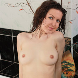 Wet Nicole - Big Tits, Shaved
