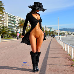 Sfizy On The Promenade Des Anglais - Public Place, Outdoors, Flashing, Public Exhibitionist, Big Tits, Firm Ass